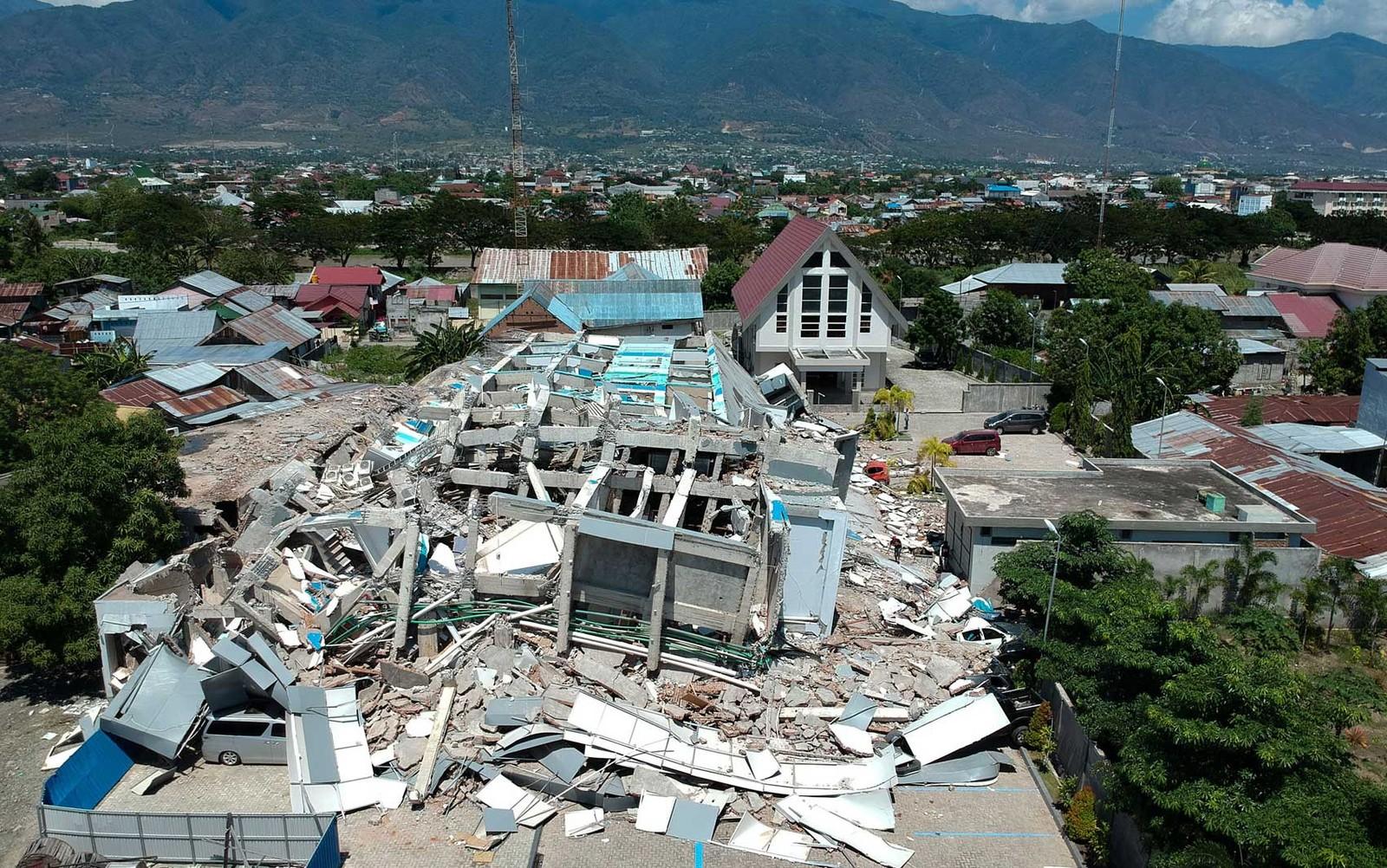 Passa de 800 o número de mortos na Indonésia devastada por terremoto e  tsunami – Badalo