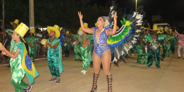 Unidos do Morro é bicampeã do Carnaval de Barbalha