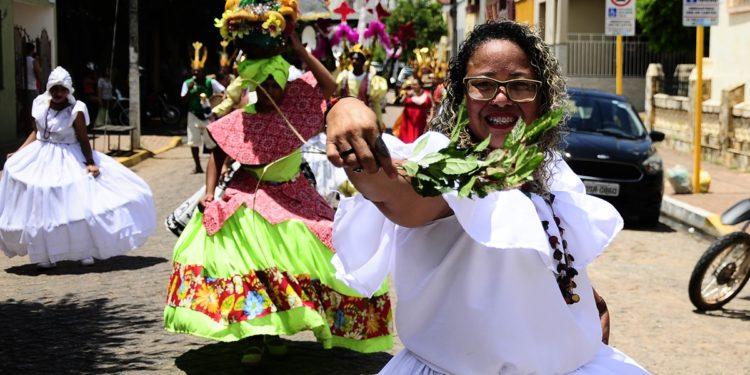 Barbalha encerra carnaval com atrações culturais e blocos de rua