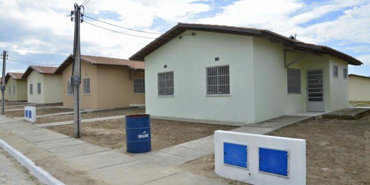 Famílias de baixa renda têm que pagar até R$180 de água em Crato