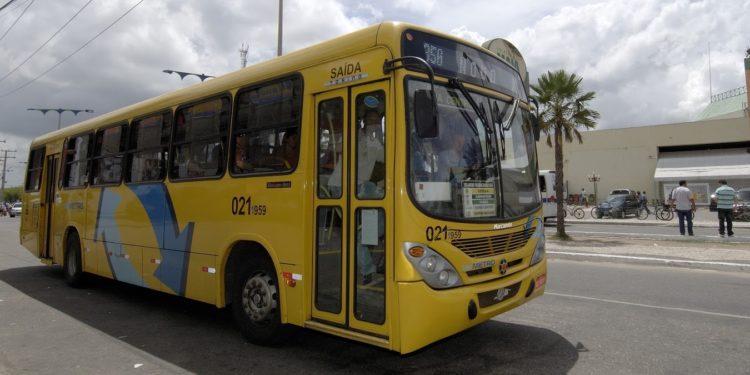 Rotas de ônibus sofrem alteração de percurso devido interdição na Av. Padre Cícero