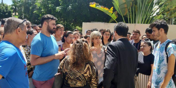 Promotor aponta responsáveis por tumulto e fala sobre o futuro do concurso em Juazeiro