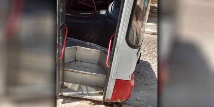 Ônibus desgovernado quase causa acidente em Juazeiro do Norte