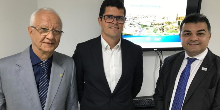 Reunião com diretor da Aena no Brasil define início da gestão do Aeroporto de Juazeiro