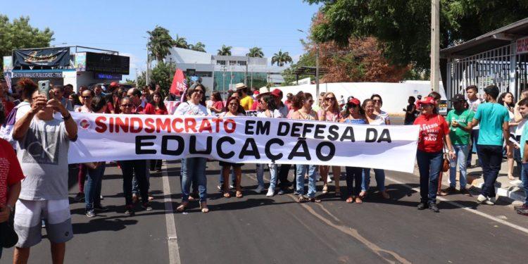Dia de paralisação nacional reúne manifestantes nesta quinta-feira (03) em Juazeiro