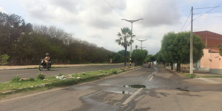 Semana inicia com chuva no Cariri