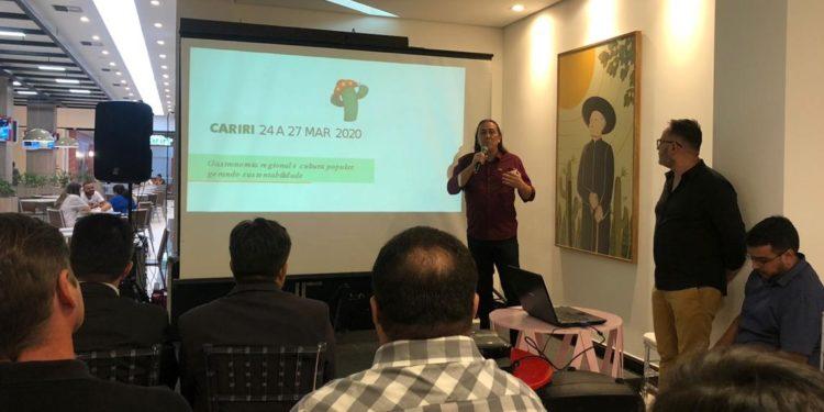 Solenidade apresenta Cariri como sede de encontro nacional da Abrasel em 2020