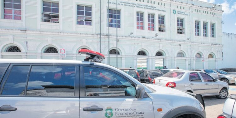 Delegada é demitida da Polícia Civil por acumular cargos públicos