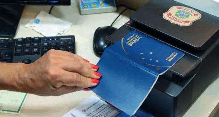 Comissão aprova isenção de taxa para estudantes carentes tirarem passaporte