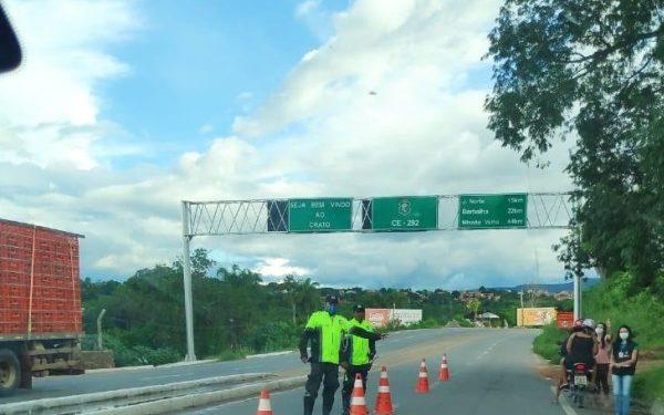 Crato realiza barreiras sanitárias na divisa com municípios vizinhos