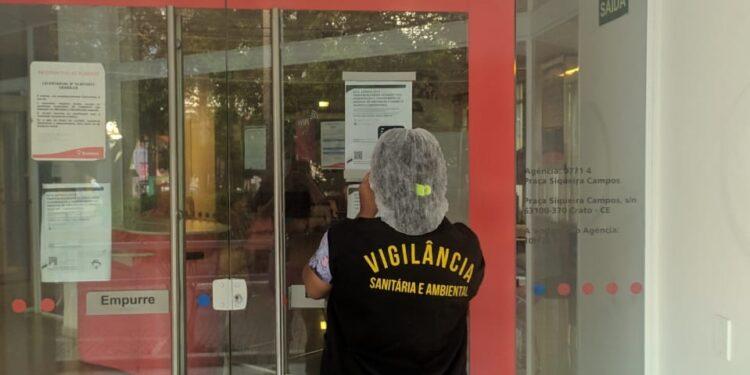 Agência bancária é interditada em Crato após suspeita de caso de coronavírus