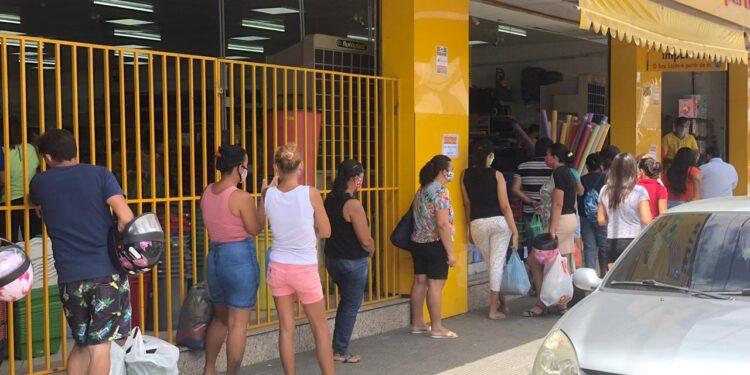 Veja como está o comércio no primeiro dia da fase 1 de reabertura no Cariri
