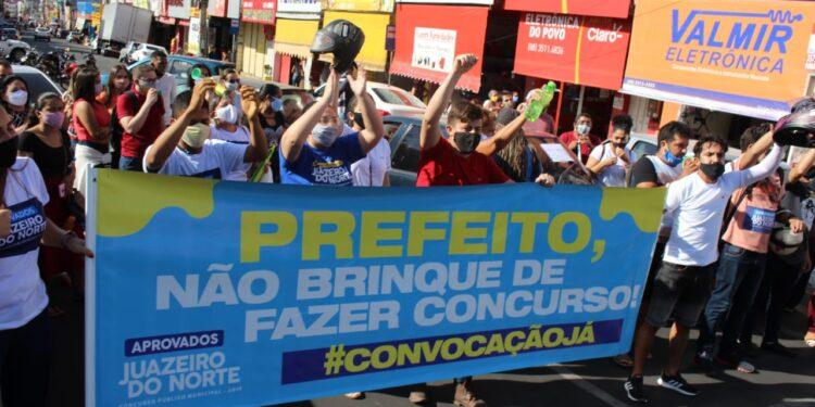 Aprovados no Concurso de Juazeiro do Norte fazem manifestação em prol da convocação