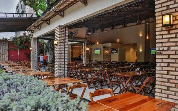 Restaurantes devem funcionar até 23 horas em 3ª fase de retomada econômica no Cariri