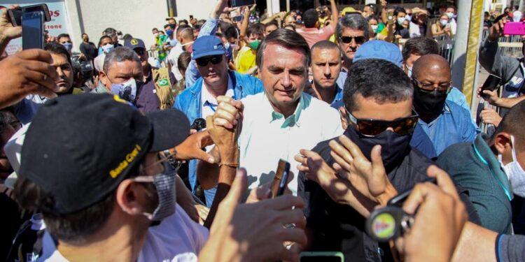 Bolsonaro pousa em Juazeiro do Norte na manhã desta quinta-feira (17); veja vídeo