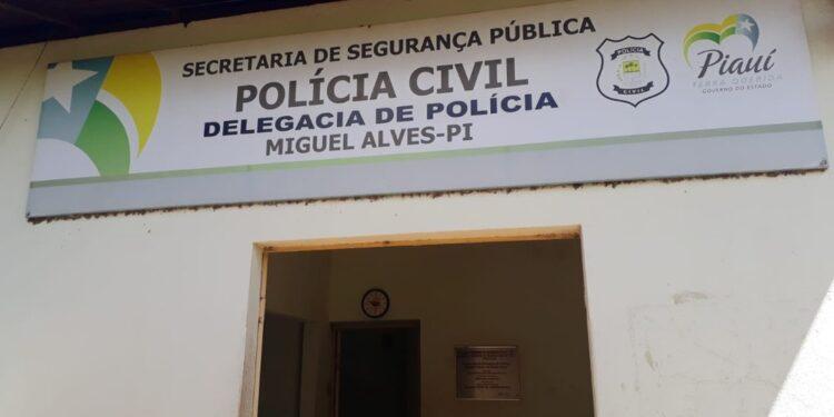 Mulher é suspeita de arrancar órgãos genitais de homem com os dentes no Piauí